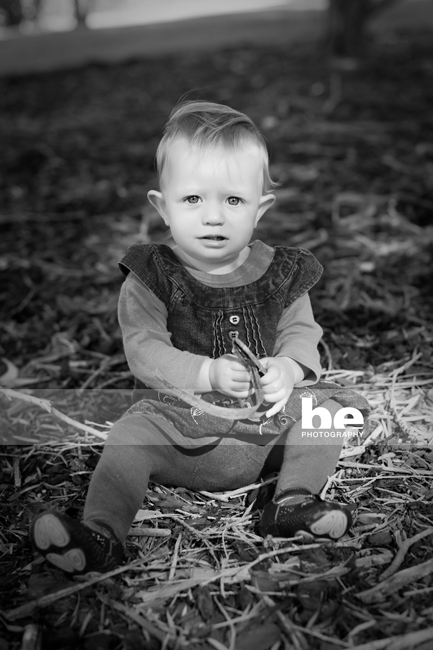 toddler park portrait session images (3)
